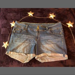 3 Buttoned Jean Shorts :)